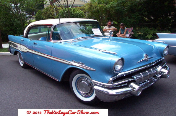 pontiac-1957-star-chief