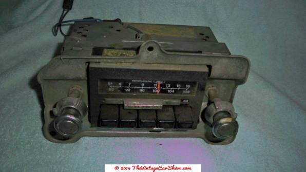car-restoration-radios-25