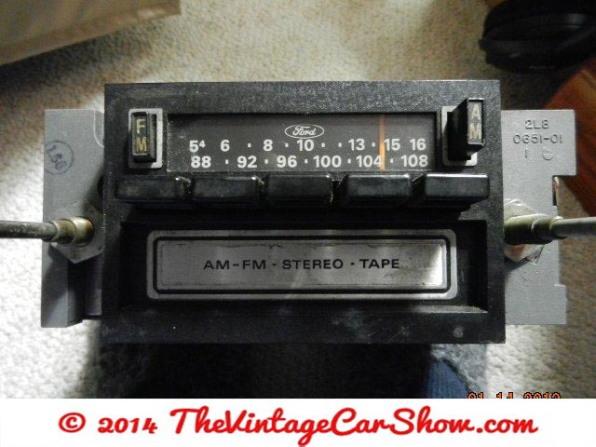 historic-car-radios-1