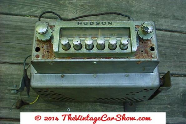 historic-car-radios-2