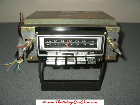 sanyo-8-track-am-fm-car-radio