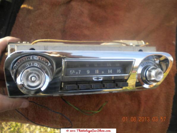 vintage-am-car-radios-1