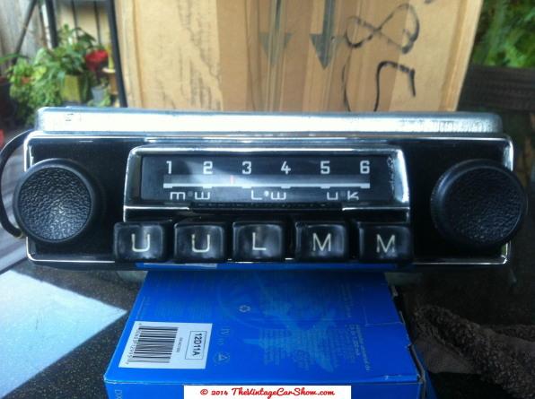 vintage-am-car-radios-10