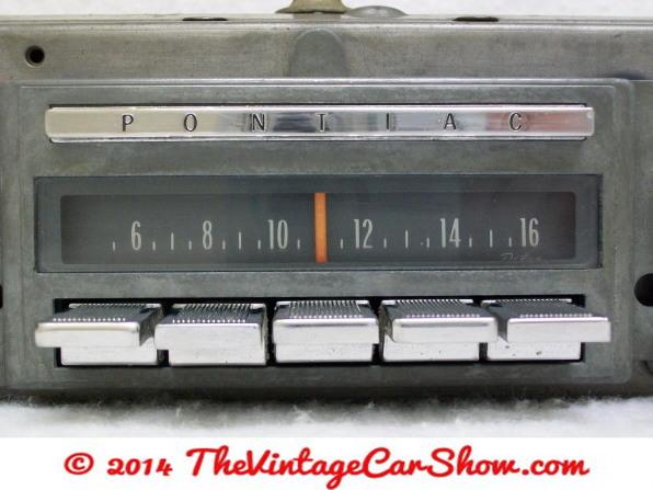 vintage-am-car-radios-12