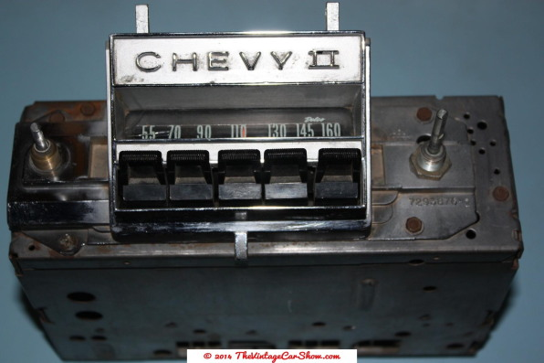vintage-am-car-radios-13