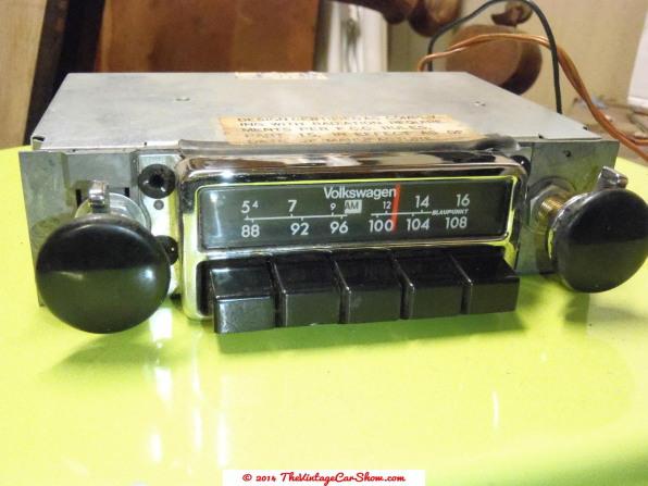 vintage-am-car-radios-4