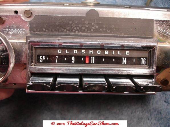 vintage-am-car-radios-6
