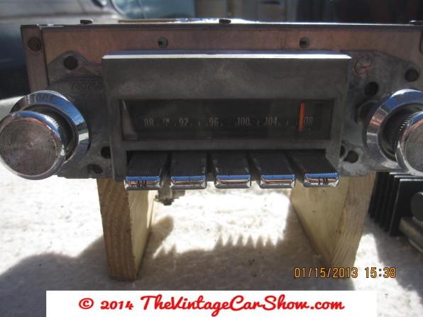 vintage-am-car-radios-7
