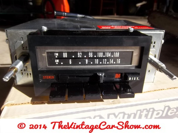 vintage-am-car-radios-8