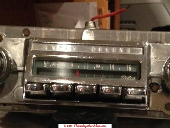 vintage-cars-radios-10