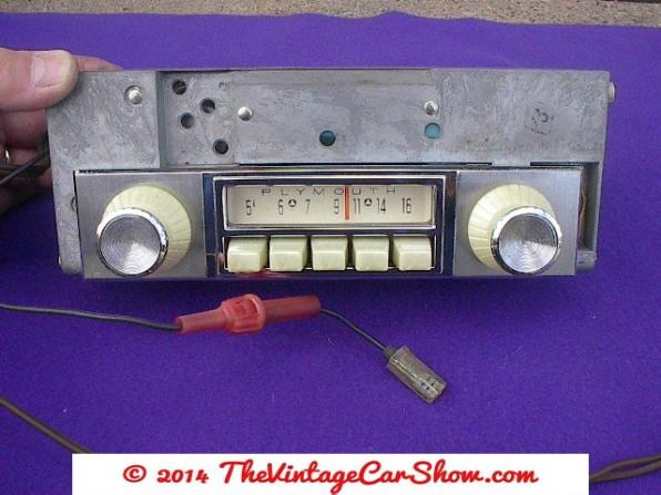 vintage-cars-radios-11