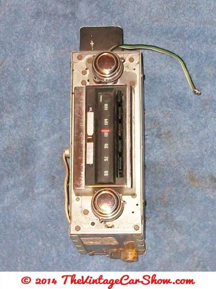 vintage-cars-radios-14