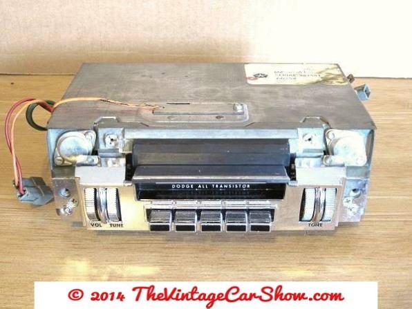 vintage-cars-radios-15