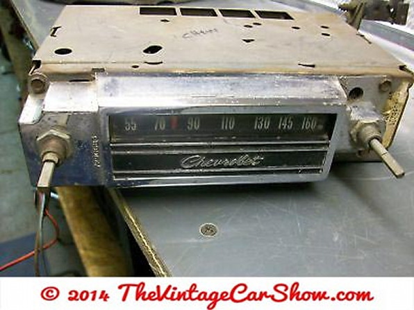 vintage-cars-radios-16