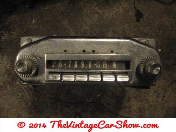 vintage-cars-radios-18