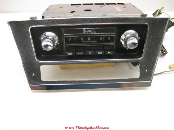 vintage-cars-radios-19