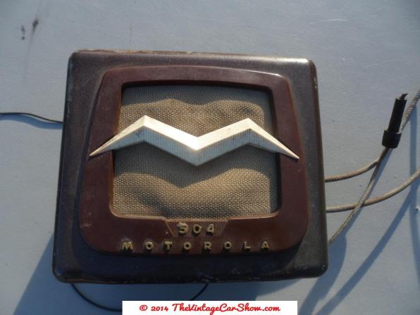 vintage-cars-radios-22