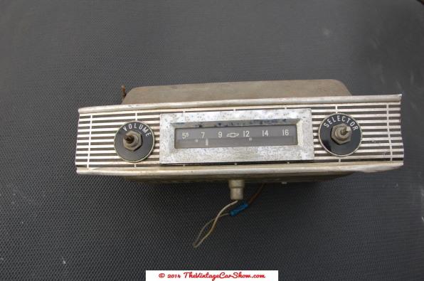 vintage-cars-radios-26