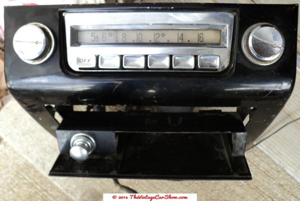 vintage-cars-radios-29