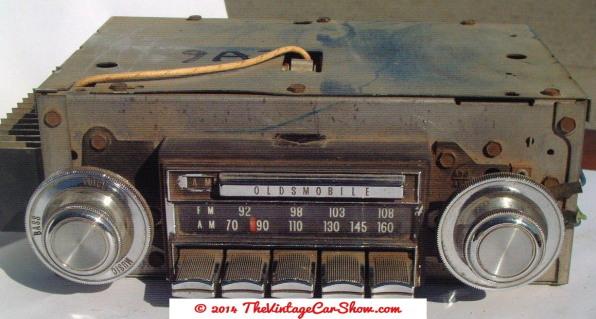 vintage-cars-radios-4