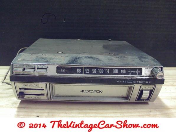 vintage-ford-radios-1
