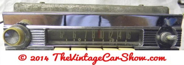 vintage-ford-radios-11