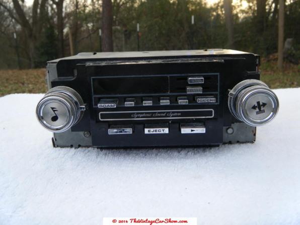 vintage-ford-radios-15