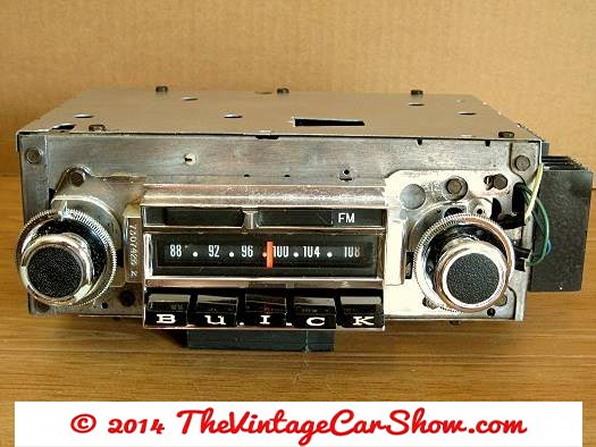 vintage-ford-radios-17