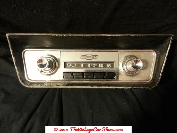 vintage-ford-radios-2