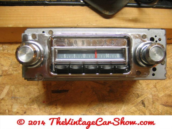 vintage-ford-radios-5