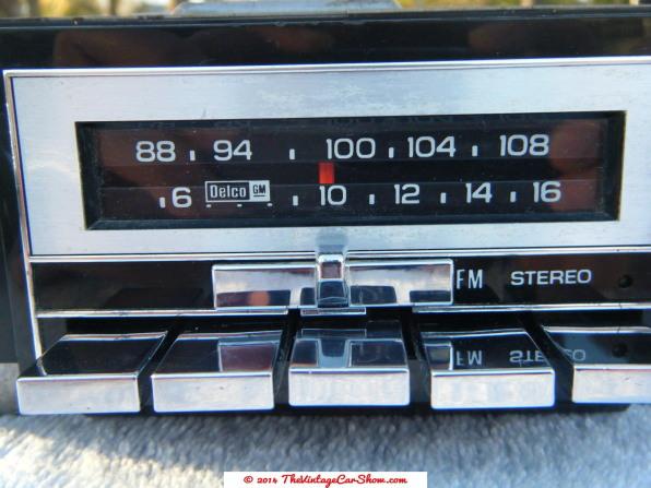 vintage-ford-radios-6