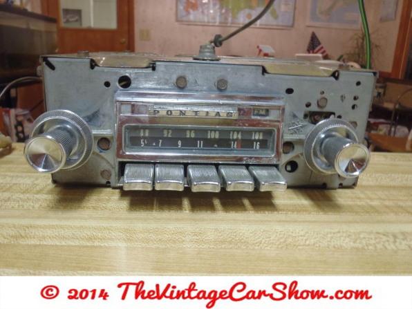vintage-ford-radios-7