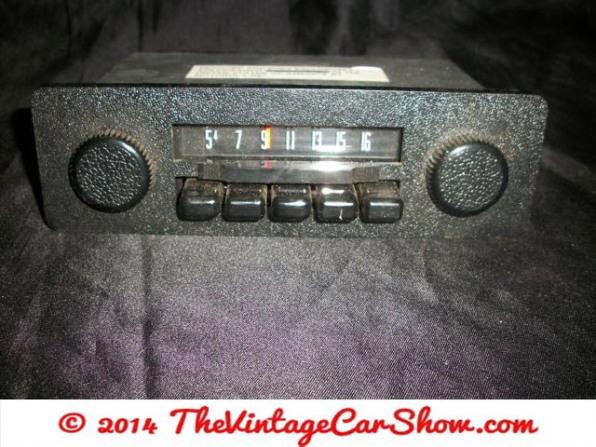 vintage-ford-radios-9