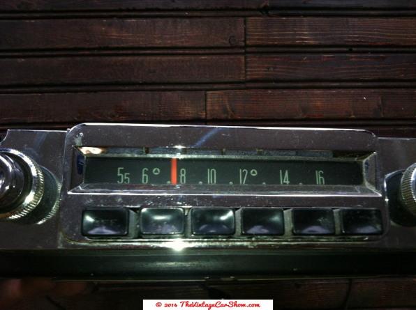 vintage-mopar-model-836-car-dash2