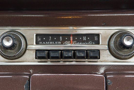 vintage motoroal car radios (1)