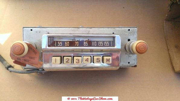 vintage-motorola-radio-for